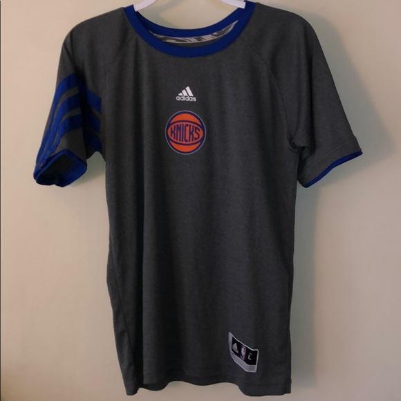 New York Knicks T Shirt !